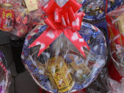 If you are business in Vietnam ensure you personally distribute Tet gift baskets to your clients.