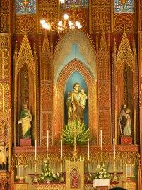Stunning gilded alter in St Josephs Cathedral, 40 – Nhà Chung – Hoàn Kiếm,Hanoi.