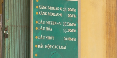 2008 Fuel Prices. (Diesel – VND10,250 = $0.53USD per litre, 92 VND13,000 = $0.70USD) in Hanoi, Vietnam.
