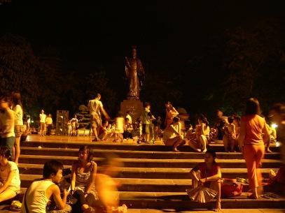 Usual busy night at Ly Thai To Park, Vườn hoa Lý Thái Tổ, Hanoi, Vietnam.