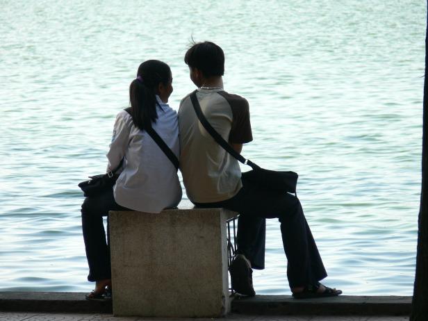 Nice place for a date - lakeside Hoan Kiem Lake, Hanoi !!