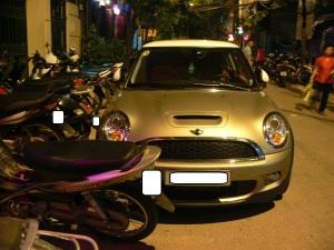 2010 photo - Mini Cooper, Hanoi, Vietnam