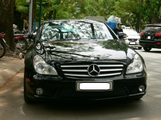 2010 photo - black Mercedes - a classic !! Hanoi, Vietnam