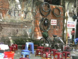 Bike fix it shop - drive in, have a cuppa in the cafe next door while get your bicycle sorted.