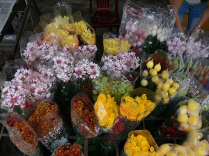 A variety flowers from Dalat including different chrysanthemums on display at the Flower Market / Cho Quảng An in Hanoi.