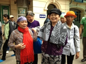 "Hanoi International Women's Club (HIWC) - donated scarves to these ladies with cancer ""We look beautiful'."